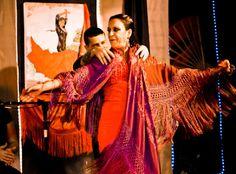 """A escola de dança Soleá Tablao Flamenco realiza mais uma edição da """"Feira de Abril"""", inspirada em uma festa da cidade de Sevilha, na Espanha. O evento acontece na sede do grupo, na sexta-feira, dia 10, às 20h; no sábado, dia 11, às 12h30; e no domingo, dia 12, às 19h. A entrada custa R$15."""