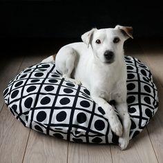 Modern bed, modern pup. #EtsyFR