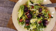 Oprah Winfrey's Garden Greens with Lemon Vinaigrette - See more at: http://www.rachaelrayshow.com/#sthash.1uHvzzpB.dpuf
