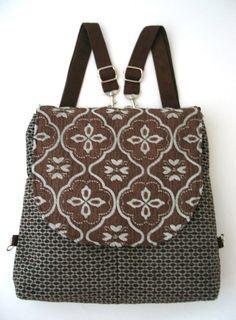 Diese hochwertige Tasche ist schön und funktional - kann als Bote-Cross Body Bag, Rucksack, oder als Umhängetasche - Beutel getragen werden. toll, die Notwendigkeit der Zeit, unter anderem unsere Ipad. tragen und hervorragend für Reisen zu.  die Tasche verfügen über 2 separate verstellbare Griffe, die aus schwarzen Vegan Ultra-Suede. für Messenger - Sie verwenden nur ein Griff, und passen Sie die Länge um die Max, für kurze Umhängetasche-passen Sie den Gurt auf kürzere Länge für Back pack…