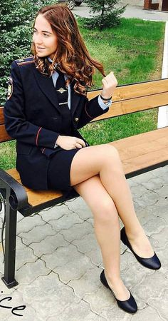 """Oh shit! You're a cop! """"Certainly am, sweetie, so you'd better put those d. - WOW - Women in Uniform Girls Uniforms, Female Soldier, Military Women, Great Legs, Beautiful Legs, Sexy Legs, Nylons, Girls Wear, Sexy Women"""