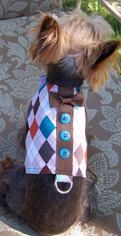 I WANT THIS SO BAD.... IT PERFECTLY FITS WITH THE NAME I'M GONNA GIVE MY DOG. (Or at least the name I'm hoping to give my dog.) Dog Harness Vest Preppy Argyle with bow tie Size X-Small for toy dogs. $35.00, via Etsy.