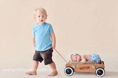 TG Newborns: Posing Newborn Babies With Siblings | Tulsa Newborn Photographer