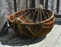 The Cyntell is a willow basket that was common in South Wales. Very fine examples, made in the 20th Century by professional and competitive basket makers              ...