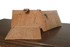 Wallet (model DD-1803) - Eco-friendly - made of real cork. From www.corkfashion.com
