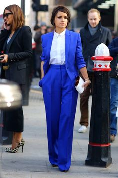 Miroslava Duma in a coblat blue matching suit with a crisp white top // Perfect outfit  for work #StreetStyle