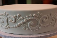 Wedding cake piping techniques different piping techniques for cupcakes fabulous inspiration cake and impressive wedding designs Wedding Cake Icing, Wedding Cake Prices, Wedding Cakes, Cake Decorating Techniques, Cake Decorating Tips, Cookie Decorating, Cake Piping, Buttercream Cake, Cupcakes Decorados