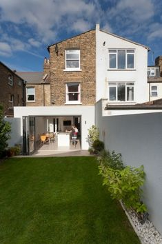 side return victorian terrace - love this Extension Veranda, Roof Extension, Extension Ideas, Terraced House, Victorian Terrace House, Victorian Homes, Side Return Extension, Patio Interior, House Extensions
