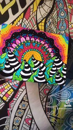 Hippie Painting, Trippy Painting, Cool Art Drawings, Art Drawings Sketches, Hippy Art, Trippy Designs, Canvas Painting Tutorials, Sharpie Art, Mini Canvas Art