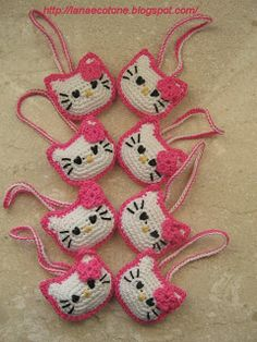 Amigurumi Hello Kitty Purse...English pattern way down the page.