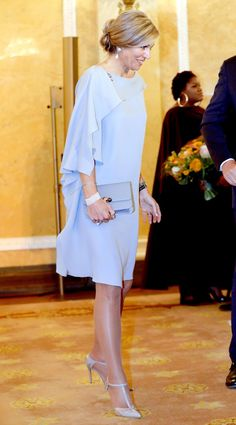 Queen Maxima Is Your Next Royal Fashion Obsession India Fashion, Royal Fashion, Modest Dresses, Nice Dresses, Modest Fashion, Fashion Dresses, Winter Wedding Outfits, Kurti Designs Party Wear, Queen Dress