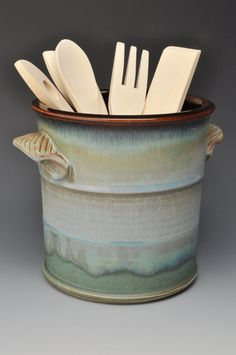 Kitchen Utensil Holder with Handles, Ceramic, Temmoku Brown and Blue Gray, Wheel thrown (Bens wheat/barbs blue green/Ver. Ceramic Utensil Holder, Kitchen Utensil Holder, Kitchen Utensils, Kitchen Tools, Ceramic Pottery, Pottery Art, Ceramic Art, Pottery Ideas, Earthenware