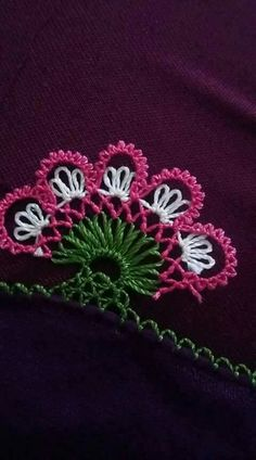 This Pin was discovered by ZEY Needle Lace, Needlework, Diy And Crafts, Beanie, Red, Jewelry, Drink, Patterns, Herbs