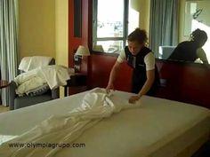 Por qué no se salen las sábanas de la cama en el Olympia Hotel Valencia - YouTube