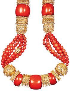 Collana yemenita in argento dorato, oro e corallo rosso