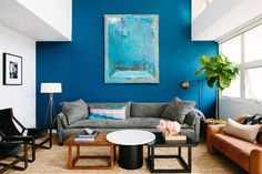 Not sure how to arrange your furniture? Here, six interior designers share the living room layout ideas that always work for them, no matter the square footage. Bohemian Living Spaces, Living Room Designs, Living Room Decor, Modular Table, Blue Accent Walls, Living Room Pictures, Formal Living Rooms, Furniture Arrangement, Interior Design