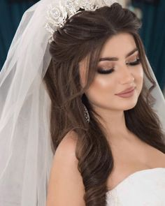 Wedding Hairstyles With Crown, Engagement Hairstyles, Bride Hairstyles, Down Hairstyles, Bridal Makeup Looks, Bride Makeup, Wedding Hair And Makeup, Long Hair Wedding Styles, Wedding Hair Down