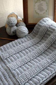 Crochet Pattern - Berry Hedge Baby Blanket P127