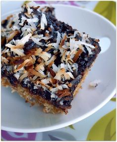 Island Rice Krispie Treats - Evil Chef Mom (Dessert Vegetarian Dairy Gluten Egg products Animal products Put a Lime in the Coconut Shredded coconut Coconut marshmallows Heavy cream Unsalted butter Caramel sauce  Chocolate chips Rice krispies)