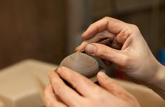 Lacquer Artist Maiko Okuno adds the first coat of lacquer to the Zelkova Dome Box, sanding the surface to get each layer evenly spread. See more on our dedicated feature page - http://the189.com/feature/japanese-woodworker-maiko-okuno