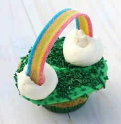 So cute for St. Patricks Day!! Another pinner suggested that instead of the clouds you could use one gold rolo candy to make it look like a pot of gold.