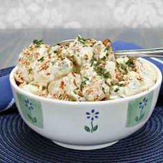 Pommes de terre aux épices en salade – Ingrédients :1 kg de pomme de terre ,4 gousses d'ail ,1 c. à café de cumin en poudre,1 bouquet de coriandre fraîche,1 citron,...