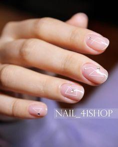 """""""청순하게 #별자리네일 #constellation 여성스러움의 극치!ㅋㅋㅋ @nail_41shop #네일디자이너지니 #네일 #네일아트 #41shop #젤네일 #청담동네일 #청담네일 #gelnails #nails #nailart #naildesign #nailswag…"""""""
