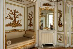 Royal Bedroom in the Little White House in the Royal Baths Park in Warsaw was decorated by Jan Ścisło in 1770s with hunting scenes as allusion to amorous conquests of the King