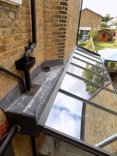 lean to conservatory side return House Extension Design, Glass Extension, Extension Ideas, Roof Design, House Design, Design Design, Lean To Conservatory, Skylight Design, Side Return Extension