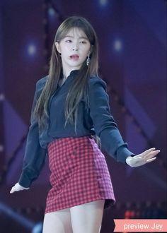 Red Velvet Seulgi, Red Velvet Irene, Red Velet, Korean Singer, Punk, Sexy, Kang Seulgi, Kpop, Outfits