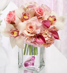 roses, orchids, calla lilies - different colors(white, champagne, purple? Bridal Shower Decorations, Wedding Decorations, Small Centerpieces, Floral Arrangements, Flower Arrangement, Wedding Designs, Wedding Ideas, Calla Lily, Floral Bouquets