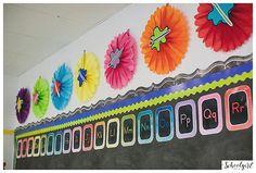 CLASSROOM, Rainbow, bulletin board, bright, chalkboard, classroom organization, flexible learning spaces, inspiration, kindergarten, watercolor, word wall www.schoolgirlstyle.com