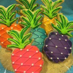 Pineapples are HOT this year Hawaiian Cookies, Luau Cookies, Pineapple Cookies, Summer Cookies, Fancy Cookies, Iced Cookies, Birthday Cookies, Cupcake Cookies, Cupcakes