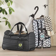 Host a party and get this gorgeous roller bag! http://mythirtyone.ca/inspire