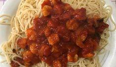 Σήμερα σας προτείνουμε μια εκλεκτή γαριδομακαρονάδα και σας δείχνουμε τον τρόπο να την ετοιμάσετε.  Υλικά  1 πακέτο μακαρόνια σπαγγέτι  500 γραμμάρια γαρίδες γάμπαρη  2 κουτιά ψιλοκομμένα ντοματάκια  1 κουταλιά της σούπας πελτέ ντομάτας  1 ψιλοκομμένο φρέσκο κρεμμύδι  1 σκελίδα σκόρδο Spaghetti, Ethnic Recipes, Food, Essen, Meals, Yemek, Noodle, Eten
