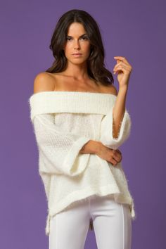 GOLD GLOW Pre-Fall 2018 Off the Shoulder Knit Blouse