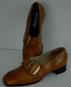 década de 1960 MOD marrón hebilla mocasines Oxfords por TimeHopShop …