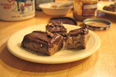 Gooey Vanilla Bars with Peanut Butter Chocolate Frosting #Vegan made with white beans