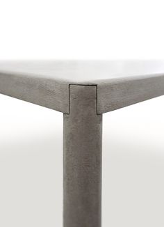 Robin grey table | table . Tisch | Design: Bruno Fattorini & Partners | MDF Italia |