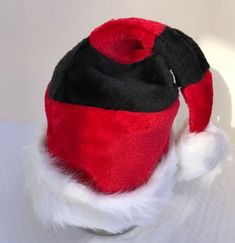 f83747488dc322 Santa Hat Stripes Plush Red Green Size S/M Children to Teens Holiday Party  Cap