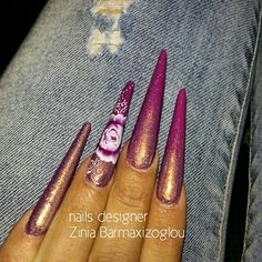 Almond gothick purple nails with one stroke