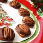 One of my favorite Christmas candy recipes! Yummy- and so easy!!!