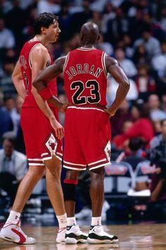 Jordan Bulls, Jordan 23, Basketball Art, Basketball Players, Michael Jordan Photos, Jeffrey Jordan, Like Mike, Nba Wallpapers, Nba Players