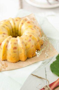 Bundt cake à la rhubarbe