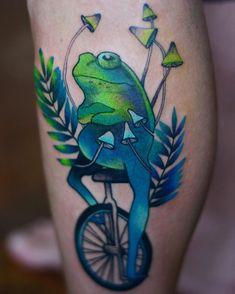 psychedelic neotradirional frog tattoo idea on leg by Green Tattoos, Frog Tattoos, Tattoos Skull, Dope Tattoos, Star Tattoos, Body Art Tattoos, Female Tattoos, Phoenix Tattoo Design, Skull Tattoo Design