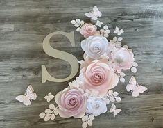 Paper Flower Patterns, Tissue Paper Flowers, Paper Flower Wall, Paper Flower Backdrop, Flower Wall Decor, Flower Decorations, Flower Crafts, Diy Flowers, Flower Tutorial