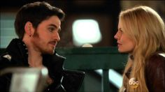 """Once Upon A Time 3x22: Emma and Hook kiss """"the beautiful couple is beautiful."""" I'M SO HAPPY YOU GUYS AND I'VE BARELY EVEN WATCHED THIS SHOW"""