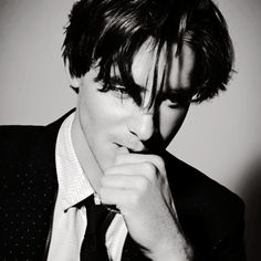Harry Lloyd by Arved Colvin-Smith Hot Actors, Actors & Actresses, Harry Lloyd, Charming Man, Most Handsome Men, Attractive People, British Actors, Pretty Eyes, Celebs