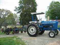 FORD 7000 & FORD 352 4-ROW Planter