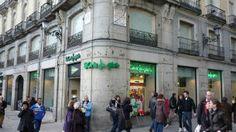 Todos los días son noticias los dos grandes gigantes de la moda española, uno El Corte Inglés por su política de des-inversiones iniciada hace aproximadamente dos años y el otro, INDITEX por precisamente todo lo contrario Pull N Bear, Street View, News, Madrid, Sport Fashion